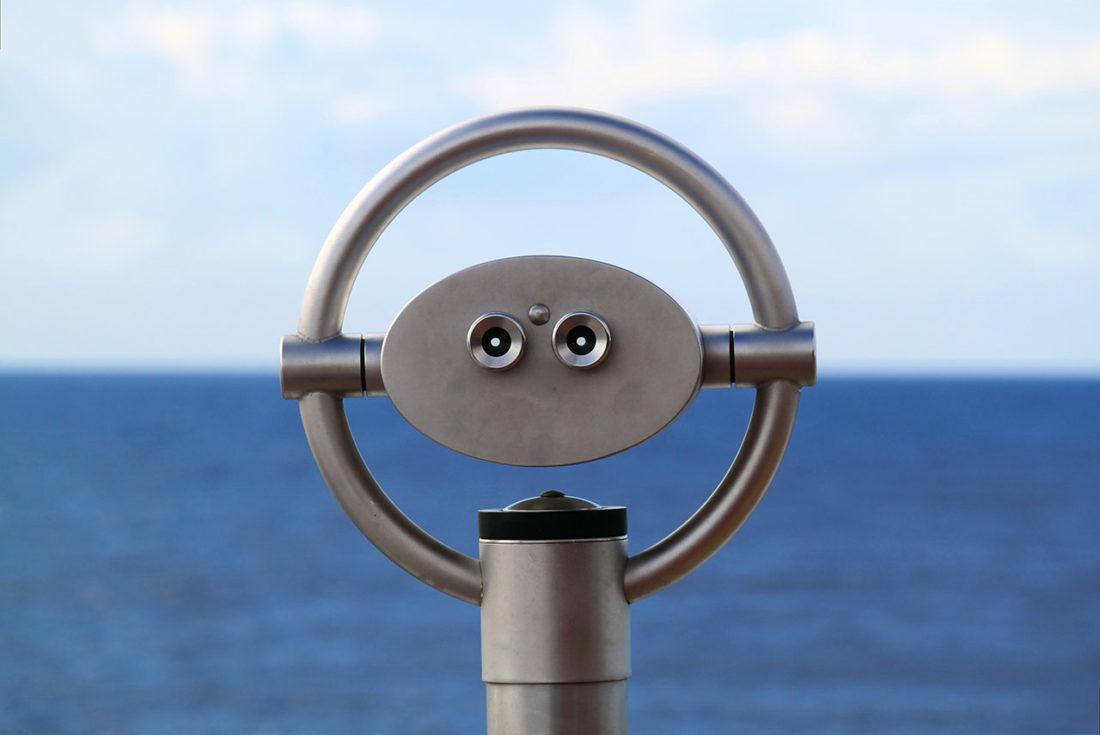 binoculars-macro-ocean-60629